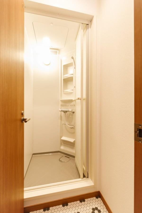 シャワールームb